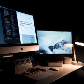 עבודה על שני מסכי מחשב